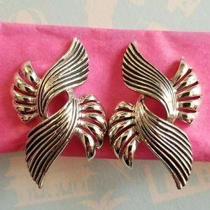 Vintage Jewelry - Vintage Coro clip earrings silver tone